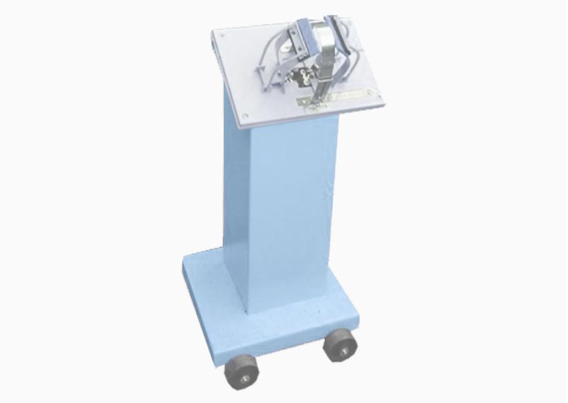 JS 211 Lacing machine